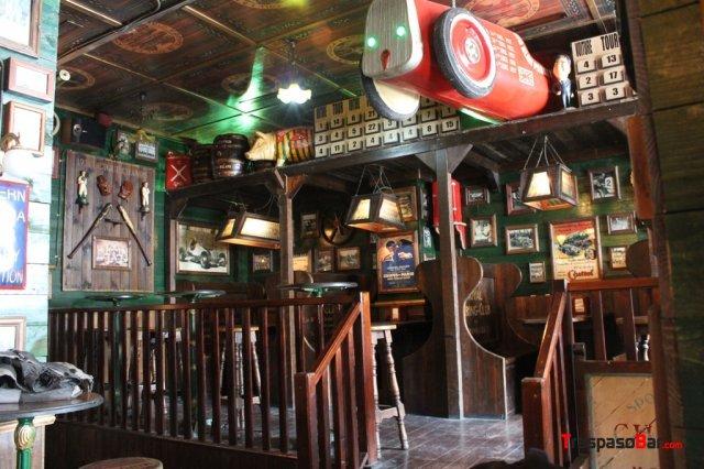 Se traspasa pub irlandes en aranjuez - Decoracion pub irlandes ...